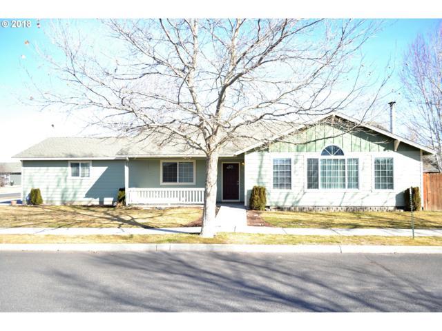 700 NE Stone Ridge Loop, Prineville, OR 97754 (MLS #18086141) :: Cano Real Estate