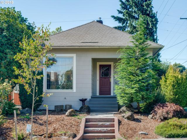 1704 SE Ellis St, Portland, OR 97202 (MLS #18088447) :: Hatch Homes Group