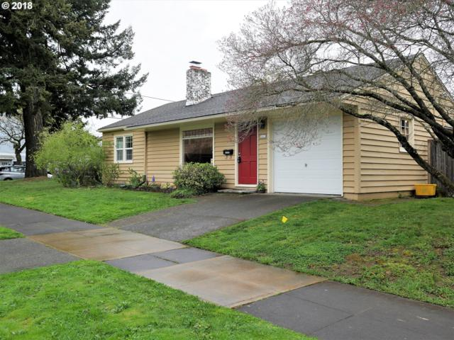 7411 NE Siskiyou St, Portland, OR 97213 (MLS #18096166) :: Next Home Realty Connection