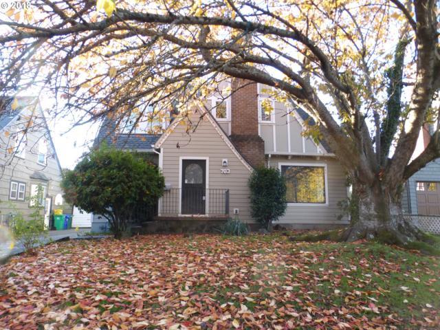 703 SE Peacock Ln, Portland, OR 97214 (MLS #18099302) :: Hatch Homes Group
