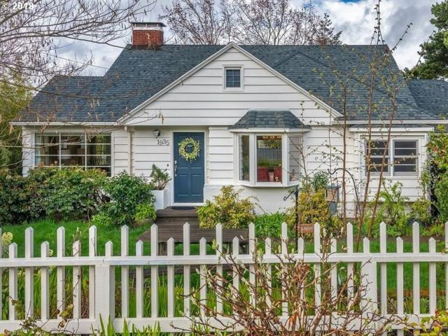 1935 SW Custer St, Portland, OR 97219 (MLS #18104782) :: The Dale Chumbley Group