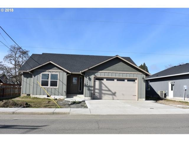 154 NW Civil Bend Ave, Winston, OR 97496 (MLS #18125554) :: Keller Williams Realty Umpqua Valley
