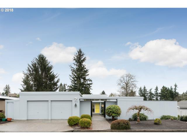 9940 SW Regal Dr, Portland, OR 97225 (MLS #18133326) :: Realty Edge
