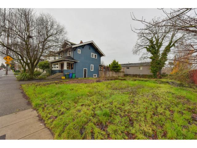 2011 NE 47TH Ave, Portland, OR 97213 (MLS #18134904) :: The Sadle Home Selling Team