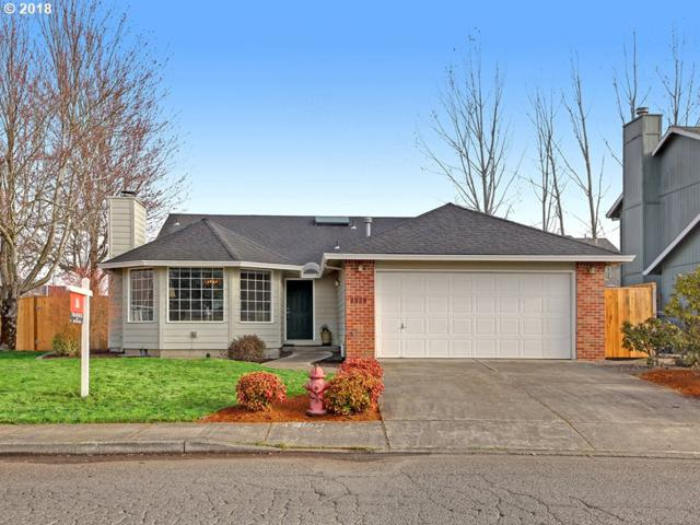 1325 Meadow Dr, Molalla, OR 97038 (MLS #18136035) :: Portland Lifestyle Team