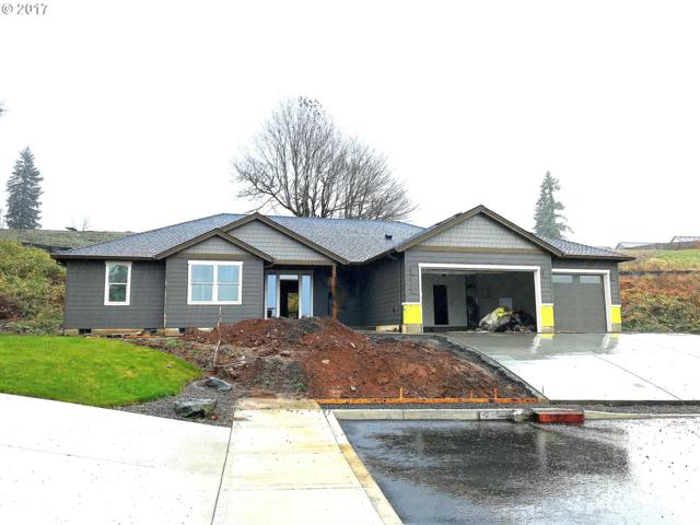 1255 NE Stair Way, Estacada, OR 97023 (MLS #18136874) :: Matin Real Estate