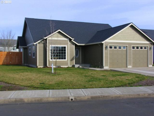 561 NE Osborne Ct, Mcminnville, OR 97128 (MLS #18137894) :: Stellar Realty Northwest