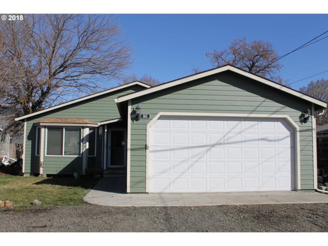 905 Z Ave, La Grande, OR 97850 (MLS #18138014) :: Cano Real Estate