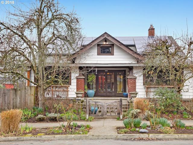 2125 SE Oak St, Portland, OR 97214 (MLS #18140077) :: Hatch Homes Group