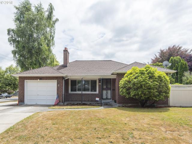9136 N Polk Ave, Portland, OR 97203 (MLS #18145751) :: The Sadle Home Selling Team