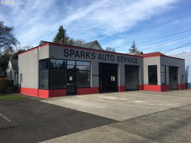 215 High St, Oregon City, OR 97045 (MLS #18145876) :: Matin Real Estate