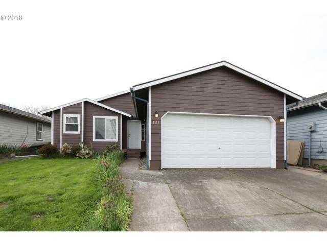 221 Colorado St, Longview, WA 98632 (MLS #18149214) :: Hillshire Realty Group
