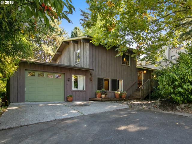9254 SW Brier Pl, Portland, OR 97219 (MLS #18151349) :: Hatch Homes Group