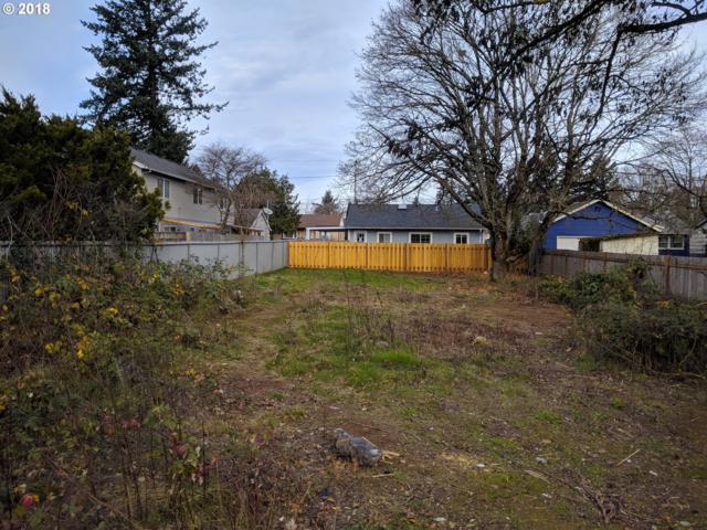 12334 SE Kelly St, Portland, OR 97236 (MLS #18154066) :: Homehelper Consultants