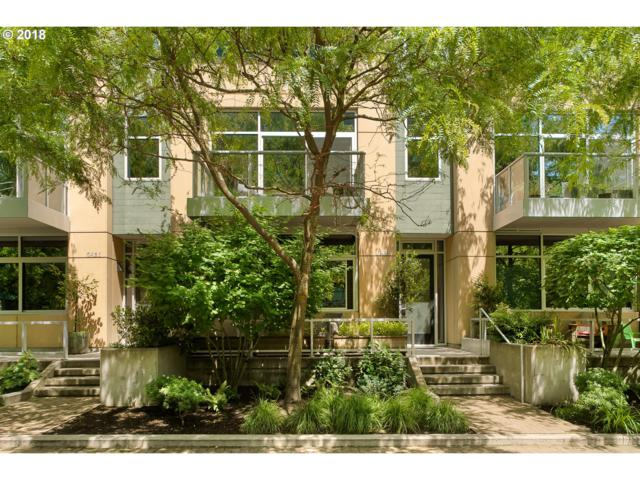 839 SW Pennoyer St, Portland, OR 97239 (MLS #18158295) :: Hatch Homes Group