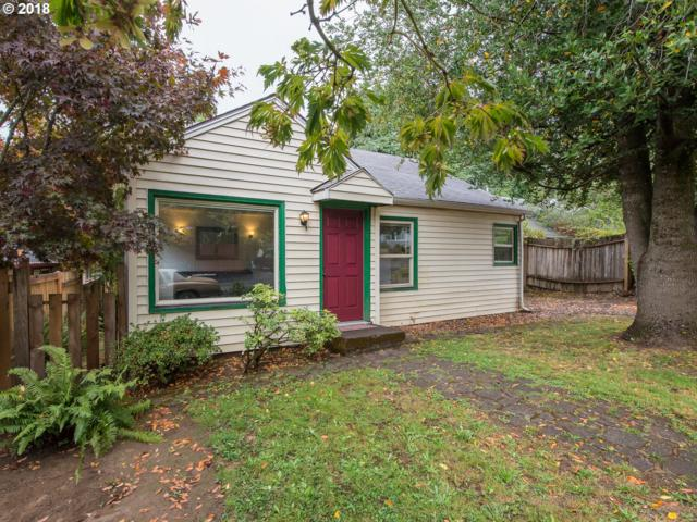 8835 SE 28TH Pl, Milwaukie, OR 97222 (MLS #18160150) :: Fox Real Estate Group