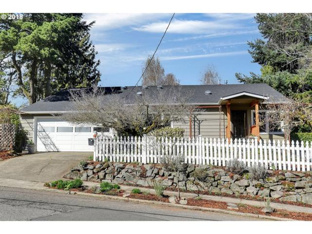631 SW Evans St, Portland, OR 97219 (MLS #18162302) :: The Dale Chumbley Group