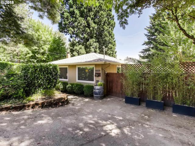 8008 SW 46TH Ave, Portland, OR 97219 (MLS #18165678) :: Cano Real Estate