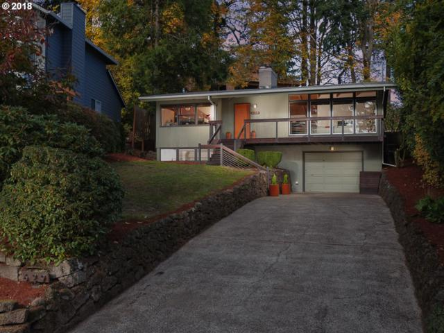 629 SW Westwood Dr, Portland, OR 97239 (MLS #18169378) :: Townsend Jarvis Group Real Estate