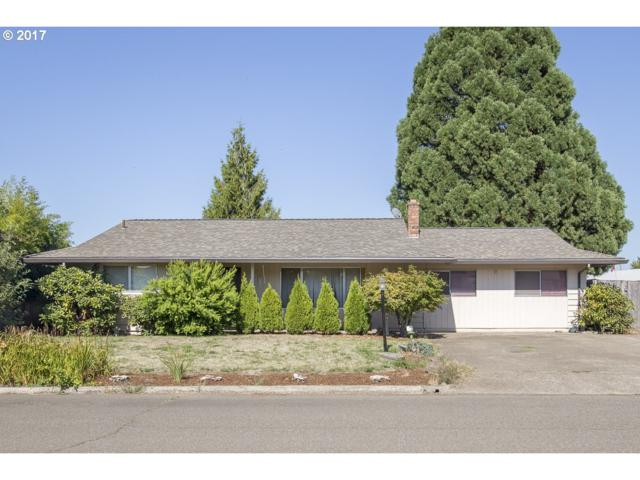 9460 SW Bayou Dr, Mcminnville, OR 97128 (MLS #18170326) :: Song Real Estate