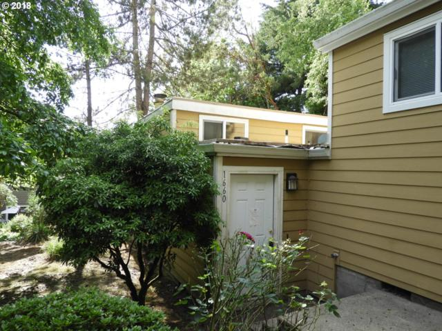 1660 Village Park Pl, West Linn, OR 97068 (MLS #18173370) :: Next Home Realty Connection