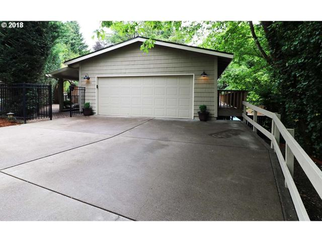 17790 Overlook Cir, Lake Oswego, OR 97034 (MLS #18175282) :: The Sadle Home Selling Team