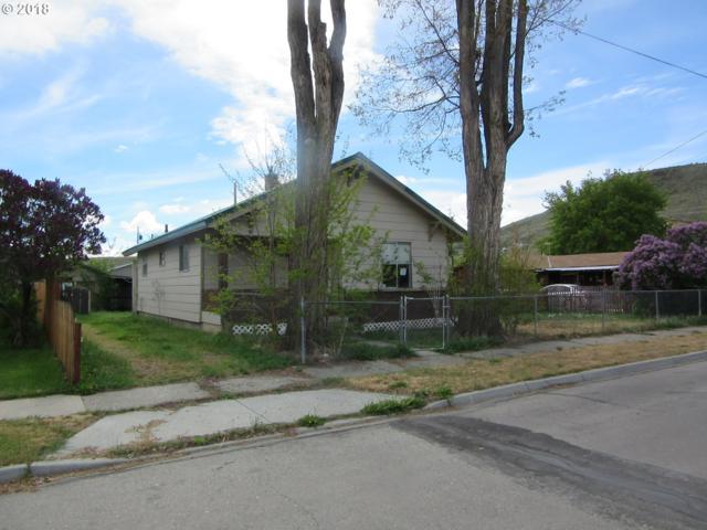 1826 Chestnut St, Baker City, OR 97814 (MLS #18177396) :: McKillion Real Estate Group