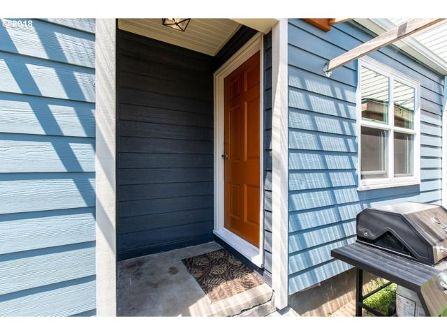 3329 SE 143RD Ave, Portland, OR 97236 (MLS #18180014) :: The Sadle Home Selling Team