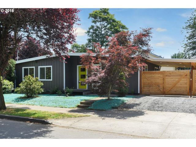 4714 SE Rural St, Portland, OR 97206 (MLS #18180962) :: Team Zebrowski