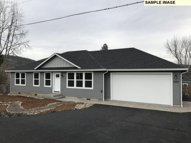 137 Angelcrest Ct, Roseburg, OR 97471 (MLS #18181930) :: Keller Williams Realty Umpqua Valley