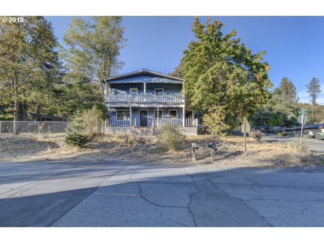 715 N Fifth Ave, Gold Hill, OR 97525 (MLS #18182644) :: Harpole Homes Oregon