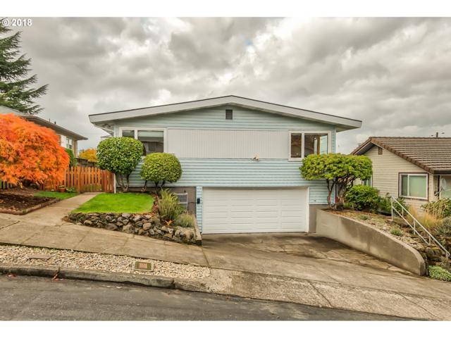 919 SE 52ND Pl, Portland, OR 97215 (MLS #18183998) :: McKillion Real Estate Group