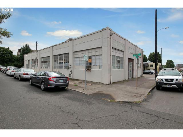 302 SE 7TH Ave, Portland, OR 97214 (MLS #18184414) :: Hatch Homes Group