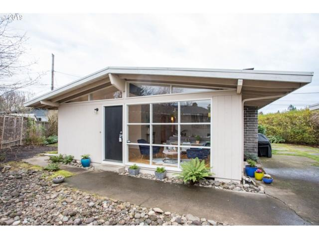 9790 SW Inglewood St, Portland, OR 97225 (MLS #18191537) :: Fox Real Estate Group