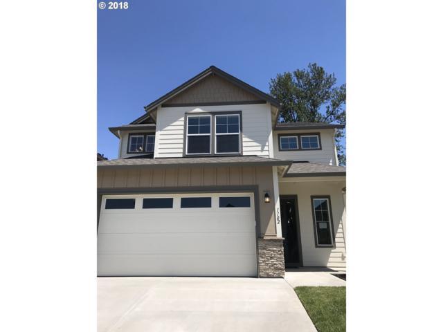 1102 S Quail Hill Pl, Ridgefield, WA 98642 (MLS #18194144) :: Portland Lifestyle Team