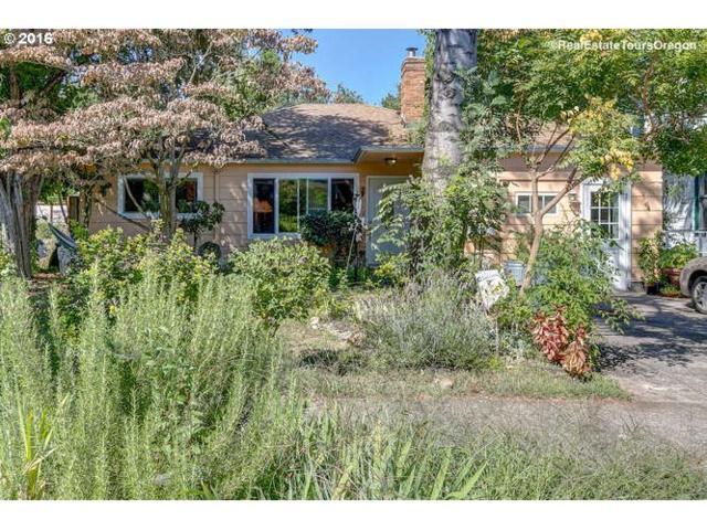 941 SE Bidwell St, Portland, OR 97202 (MLS #18204812) :: The Sadle Home Selling Team