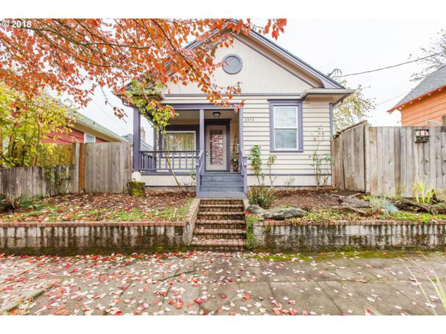 2352 N Winchell St, Portland, OR 97217 (MLS #18210951) :: The Sadle Home Selling Team