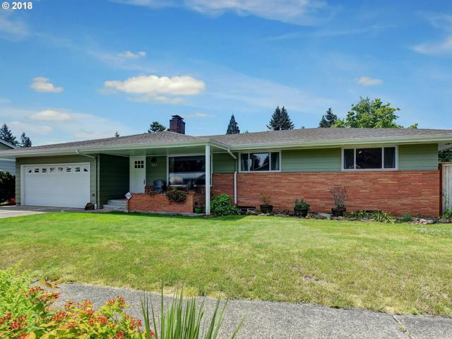 327 NE 169TH Ave, Portland, OR 97230 (MLS #18211546) :: Song Real Estate