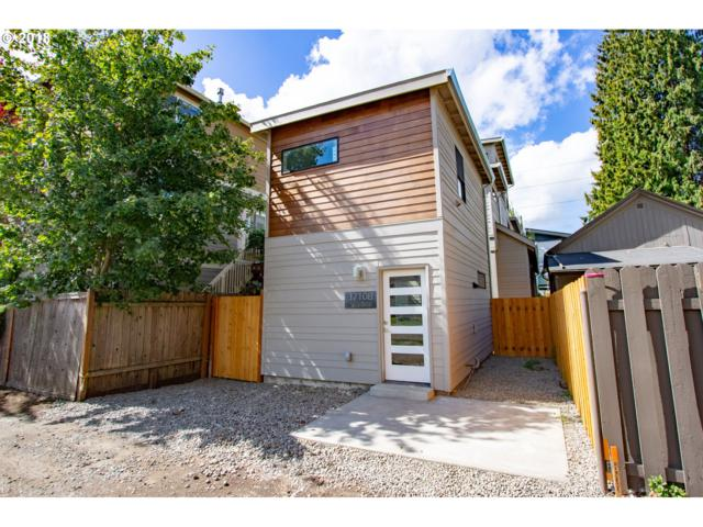 3710 N Albina Ave B, Portland, OR 97227 (MLS #18213032) :: McKillion Real Estate Group