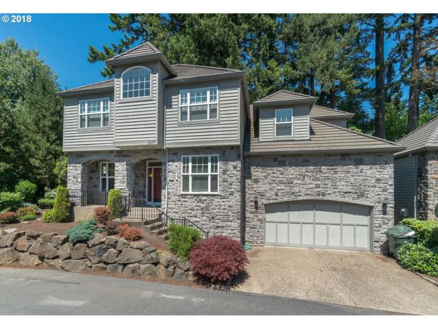 2637 Beacon Hill Dr, West Linn, OR 97068 (MLS #18213490) :: The Sadle Home Selling Team