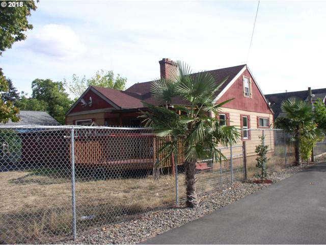 14144 SE Powell Blvd, Portland, OR 97236 (MLS #18213600) :: The Sadle Home Selling Team