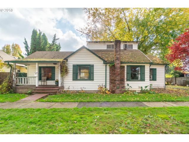 304 W 2ND St, Newberg, OR 97132 (MLS #18218997) :: Fox Real Estate Group