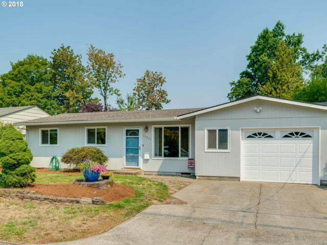 11321 NE Sacramento St, Portland, OR 97220 (MLS #18222914) :: Cano Real Estate