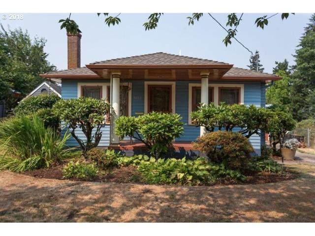 5223 SE 41ST Ave, Portland, OR 97202 (MLS #18227392) :: Hatch Homes Group