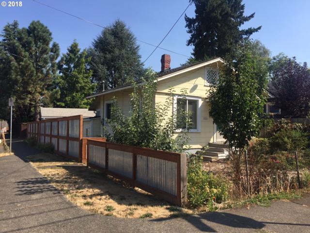 3905 SE Lexington St, Portland, OR 97202 (MLS #18241034) :: The Dale Chumbley Group