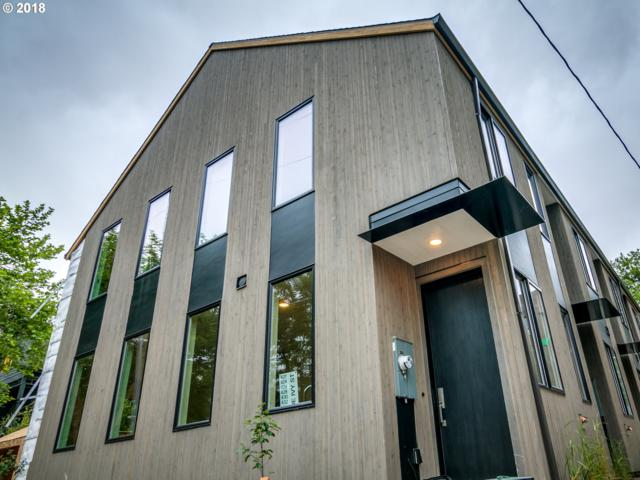 434 NE Ivy St, Portland, OR 97212 (MLS #18246881) :: McKillion Real Estate Group