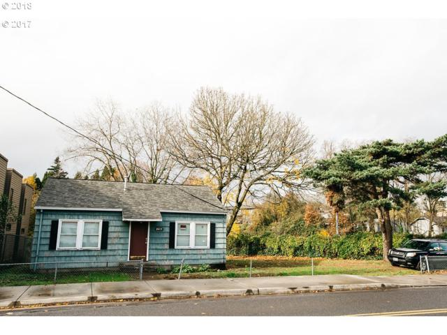 8415 SW 19TH Ave, Portland, OR 97219 (MLS #18248086) :: The Dale Chumbley Group