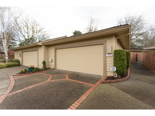 32500 SW Lake Point Ct, Wilsonville, OR 97070 (MLS #18253565) :: Next Home Realty Connection
