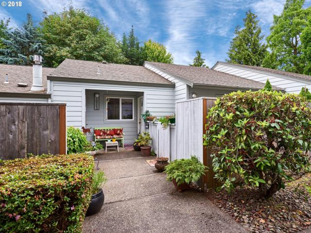 10560 SW Del Monte Dr, Tigard, OR 97224 (MLS #18257412) :: Portland Lifestyle Team