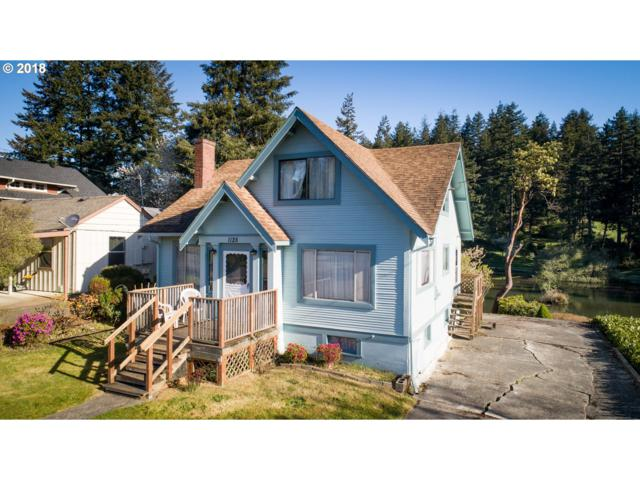 1128 Park, Coos Bay, OR 97420 (MLS #18262376) :: The Dale Chumbley Group